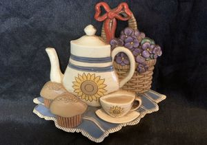 Adorable morning muffin and coffee wall hanging decor for Sale in Madera, CA