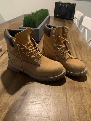 Timberlands 5.5 or 7.5 for Sale in Kirkland, WA