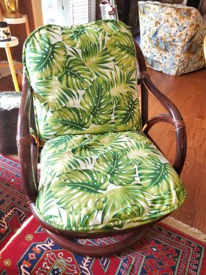 1970s Rattan/Bamboo swivel chair with tropical cover for Sale in Washington, DC