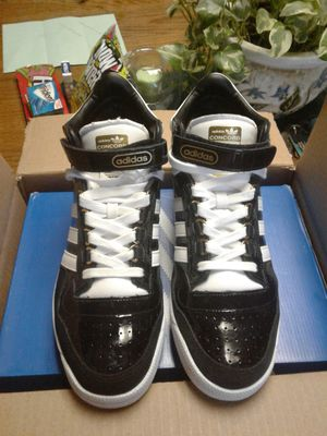 Brand new Adidas 10-1/2 $80 for Sale in Detroit, MI