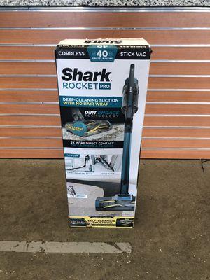 *SHARK ROCKET PRO ZERO-M CORDLESS STICK-VACUUM CLEANER (IZ140) *OPEN BOX* #17073-2 for Sale in Chelsea, MA