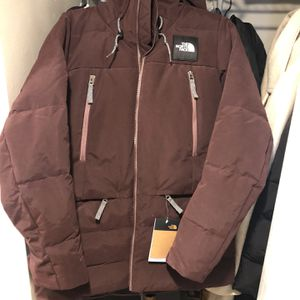 NEW North Face Pallie Down Jacket for Sale in Columbus, OH