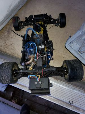 Traxxas old rc car vintage don't know if it runs for Sale in Chino, CA