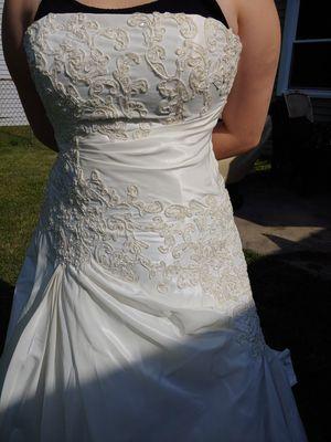 Wedding dress Maggie Sottero for Sale in Bartlett, IL