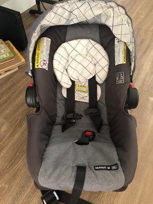 GEACO SNUGRIDE 30 INFANT CAR SEAT for Sale in Chandler, AZ