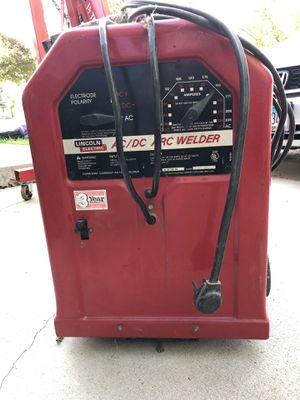 Lincoln welder 225 Amp AC/ DC and welding rods for Sale in Schaumburg, IL