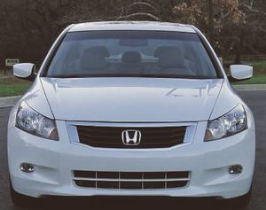 automaticwith 82k Miles Honda Accord White clean for Sale in Tulsa, OK