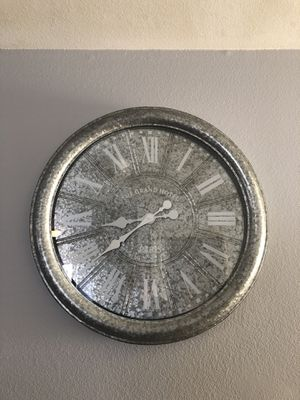 Huge wall Clock $10 for Sale in Warren Air Force Base, WY