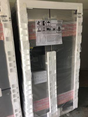 Brand New Samsung Refrigerator for Sale in Sarasota, FL