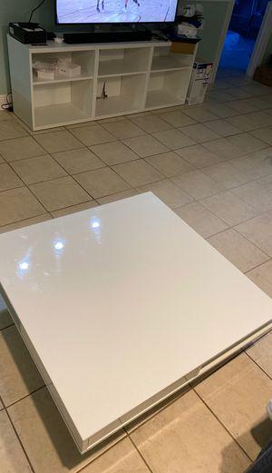 IKEA Modern Coffee Table for Sale in West Palm Beach, FL