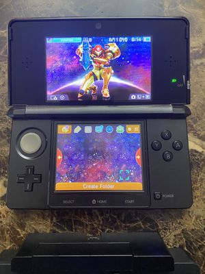 Nintendo 3DS with charger (no games) for Sale in Miami, FL