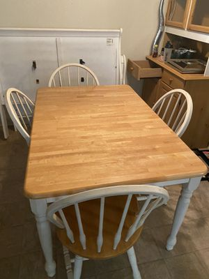 Kitchen table and hutch set for Sale in Manteca, CA