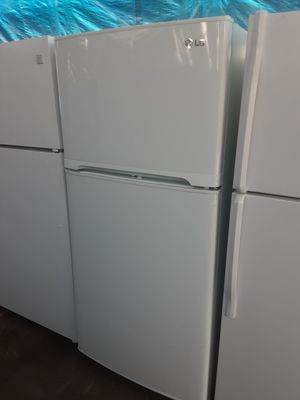 $275 LG White fridge includes delivery in the San Fernando Valley a warranty and installation for Sale in Los Angeles, CA