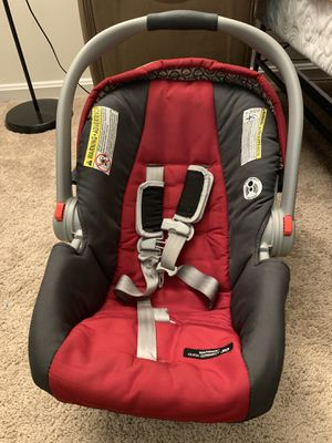 Graco car seat for infants for Sale in Germantown, MD