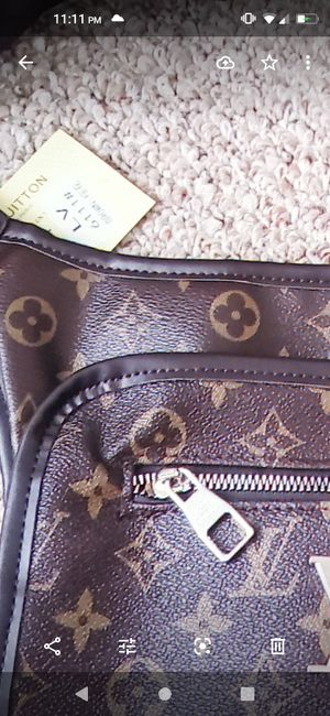 Hand bag for Sale in Dearborn, MI