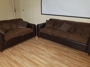 VERY NICE 2 PIECE COUCH SET for Sale in Las Vegas, NV