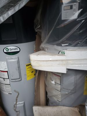 AO SMITH HEAT PUMP WATER HEATER HIGH EFFICIENCY 50 gallon for Sale in Lithia, FL