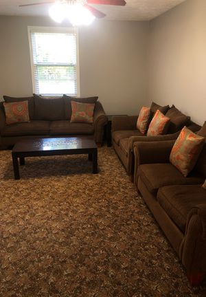 Sofa/Love Seats and coffee table for Sale in Nashville, TN