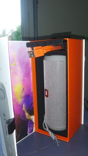JBL flip 4 very good speakers for Sale in Lake Elsinore, CA