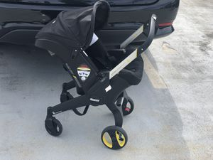 Doona car seat-stroller for Sale in Natick, MA