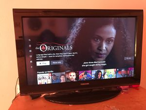 32 inch tv (Not a smart) for Sale in Arlington, TX