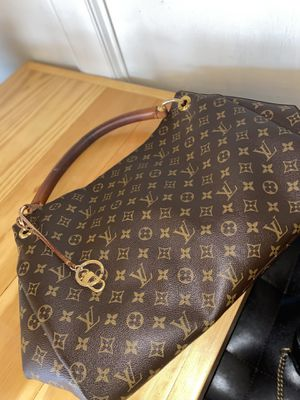 Authentic Louis Vuitton Artsy Bag for Sale in Cleveland, OH