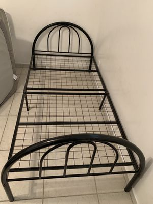 Twin size bed frame for Sale in Fort Lauderdale, FL