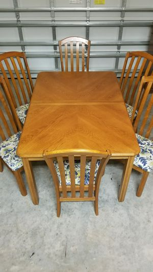 Solid Wood Dinning Set for Sale in Orlando, FL