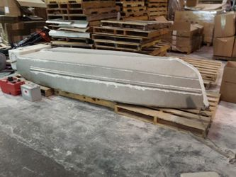 10 ft aluminum boat, motor and battery for Sale in Monroe,  WA