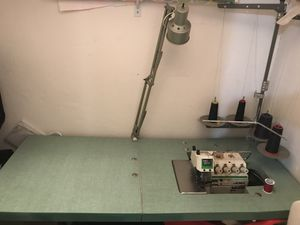 Sewing machine for Sale in Miami Springs, FL