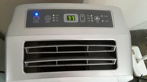 HiSense Portable Stand up AC Air Conditioner Unit 10,000 BTU Blows Ice Cold for Sale in Glendale, AZ