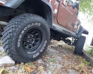 Jeep wrangler for parts hard shell rooftop,tires,rims etc.... for Sale in HALNDLE BCH, FL