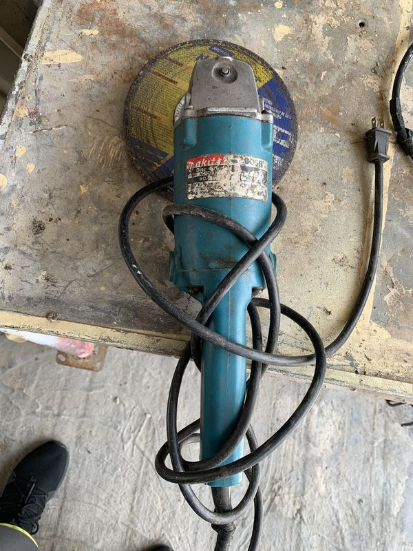 """Makita 5"""" Grinder working How it Should, come test it at my house-It's the Medium size"""