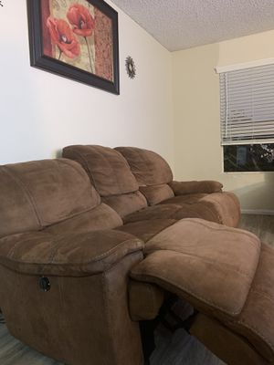 Electric couch!! for Sale in Temecula, CA
