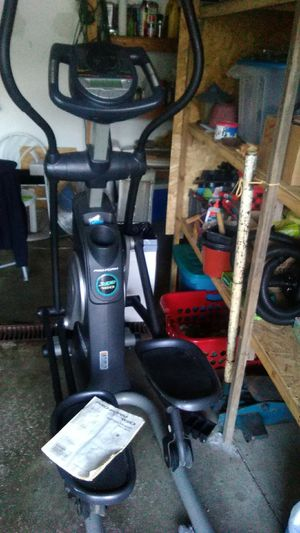 Pro-Form XP 160 Elliptical for Sale in Amherst, OH