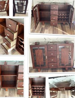 Wooden Tv Stand for Sale in Garden Grove,  CA