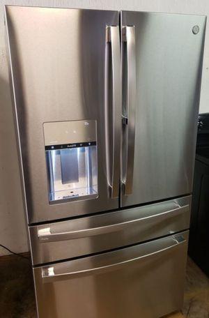 GE 4 Door Refrigerator for Sale in Phoenix, AZ