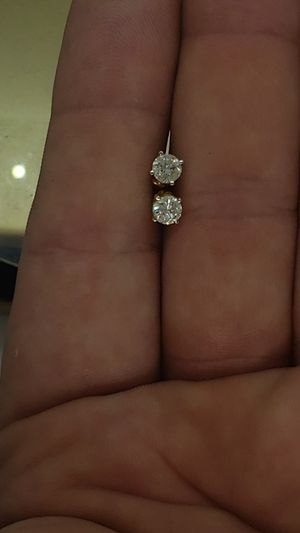 Beautiful Round white Diamond Earrings! for Sale in Brick Township, NJ