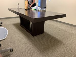 8 foot table with leaf for Sale in North Bethesda, MD