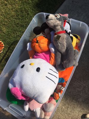 Whole bunch of stuffed animals and plushies for Sale in Pflugerville, TX