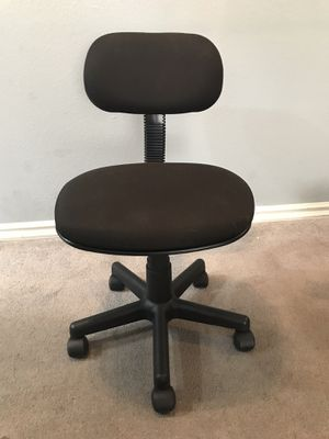 Free - Desk Chair for Sale in Henderson, NV