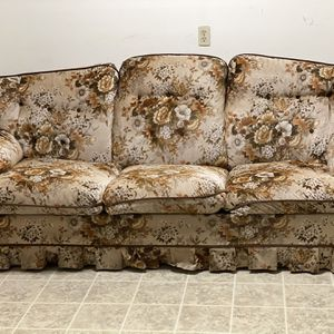 Sofa With Pullout Bed for Sale in Appleton, WI