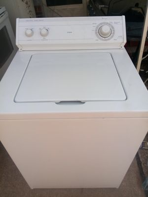 NICE SUPER CAPACITY WASHER for Sale in Olivette, MO
