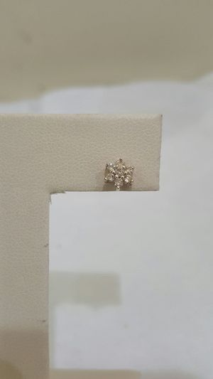 14k yellow gold earring with diamond for Sale in Philadelphia, PA