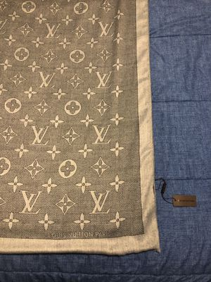 Louis Vuitton Scarf Gray 180 cm for Sale in Carlisle, PA