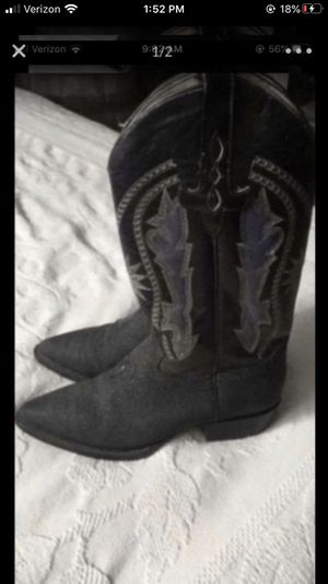 Boots good condition size 71/2 for Sale in Jurupa Valley, CA