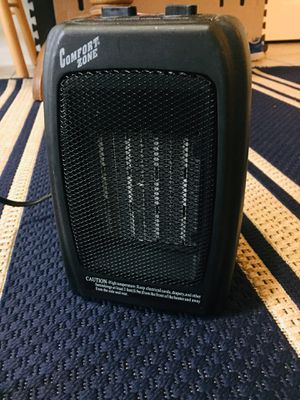 Electric ceramic heater for Sale in Chantilly, VA