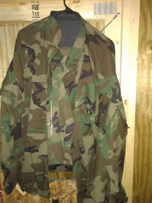 Camo jacket and pants large for Sale in Berwick, PA