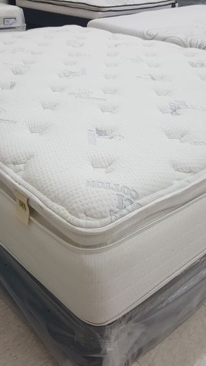 Mattress Clearance Sale *Queen Nature's Spa Oasis Pillow Top Mattress and Free Box Spring *Floor Model Sale* for Sale in New Port Richey, FL