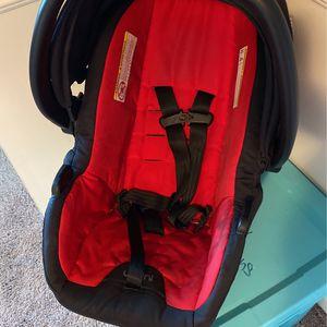 Free Urbini Car Seat for Sale in Locust Grove, GA